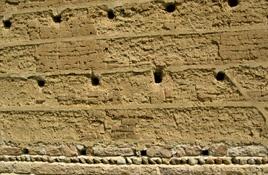Mur de pisé - Saint-Michel-de-Saint-Geoirs