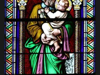 Un des vitraux de l'église, St-Michel-de-St-Geoirs