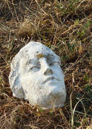 La Madone décapitée. St-Michel-de-St-Geoirs
